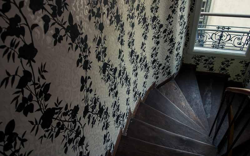 Escaleras interiores de madera