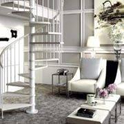 Escalera de caracol modelo Avant con peldaños de madera y barandilla modelo R2 de Enesca.es