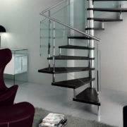 escalera de caracol modelo avant con peldaos de madera y barandilla modelo rv de enesca