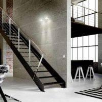 Escalera de tramos Itron Laser con peldaños de metal