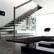 Escalera de tramos modelo Livia con peldaños de madera y barandilla modelo R3(2) de Enesca.es
