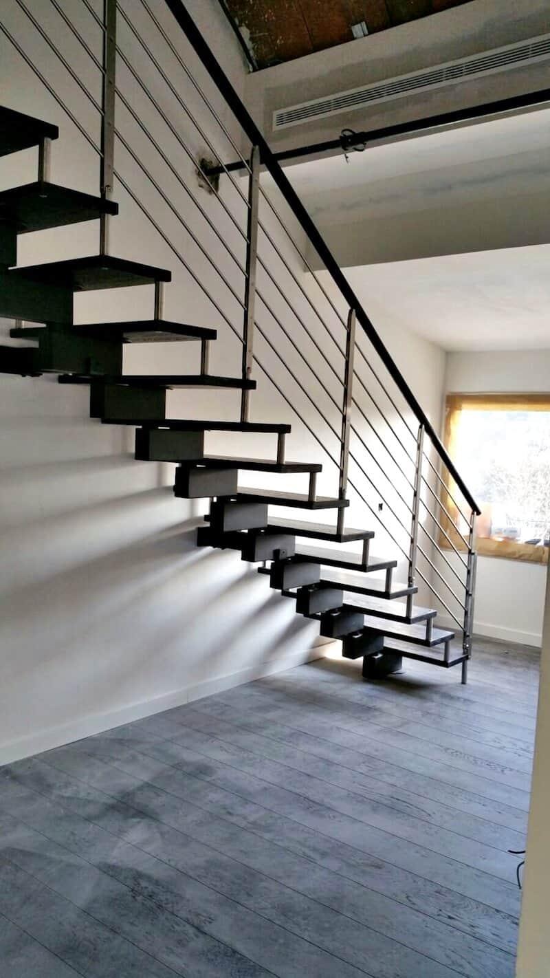 Escalera de madera Doxa Wood 1 Aravaca - Enesca.es