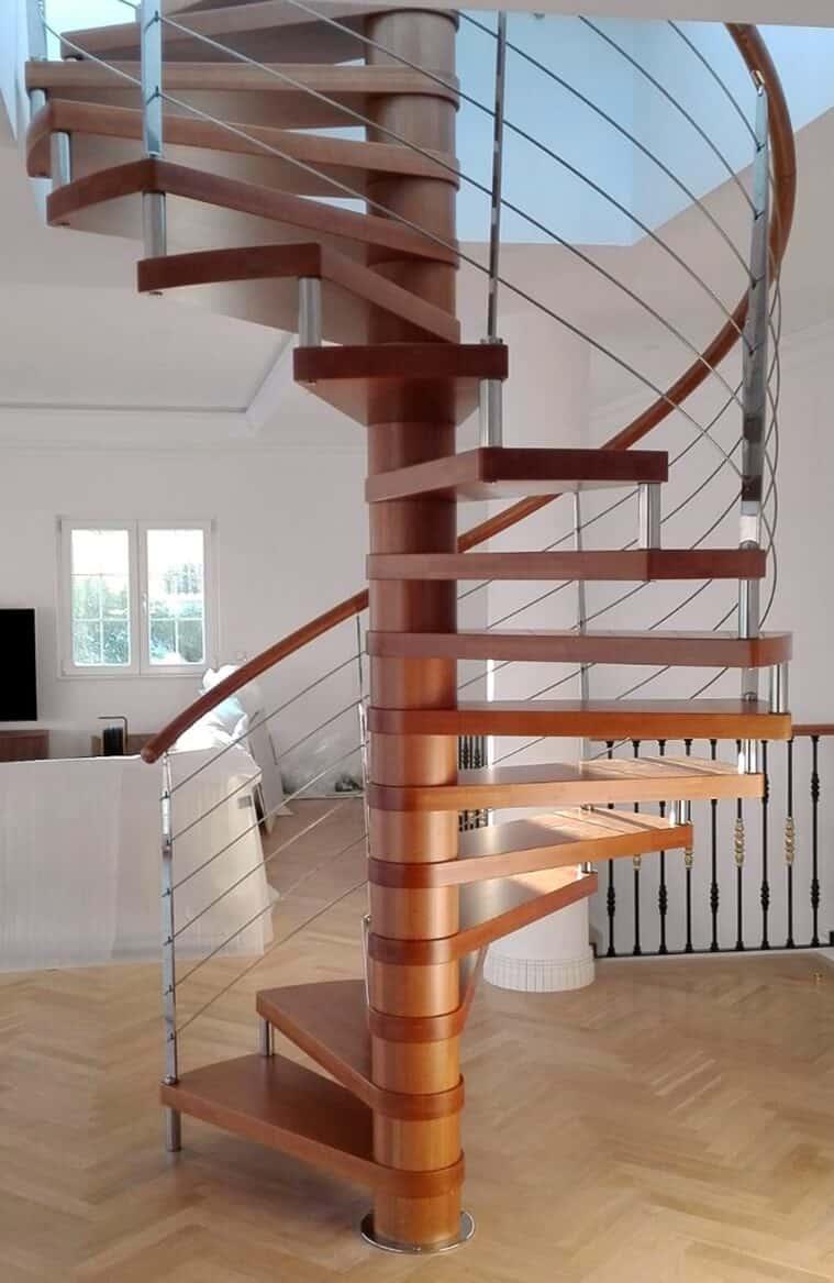 Escalera de caracol en madera de enesca.es