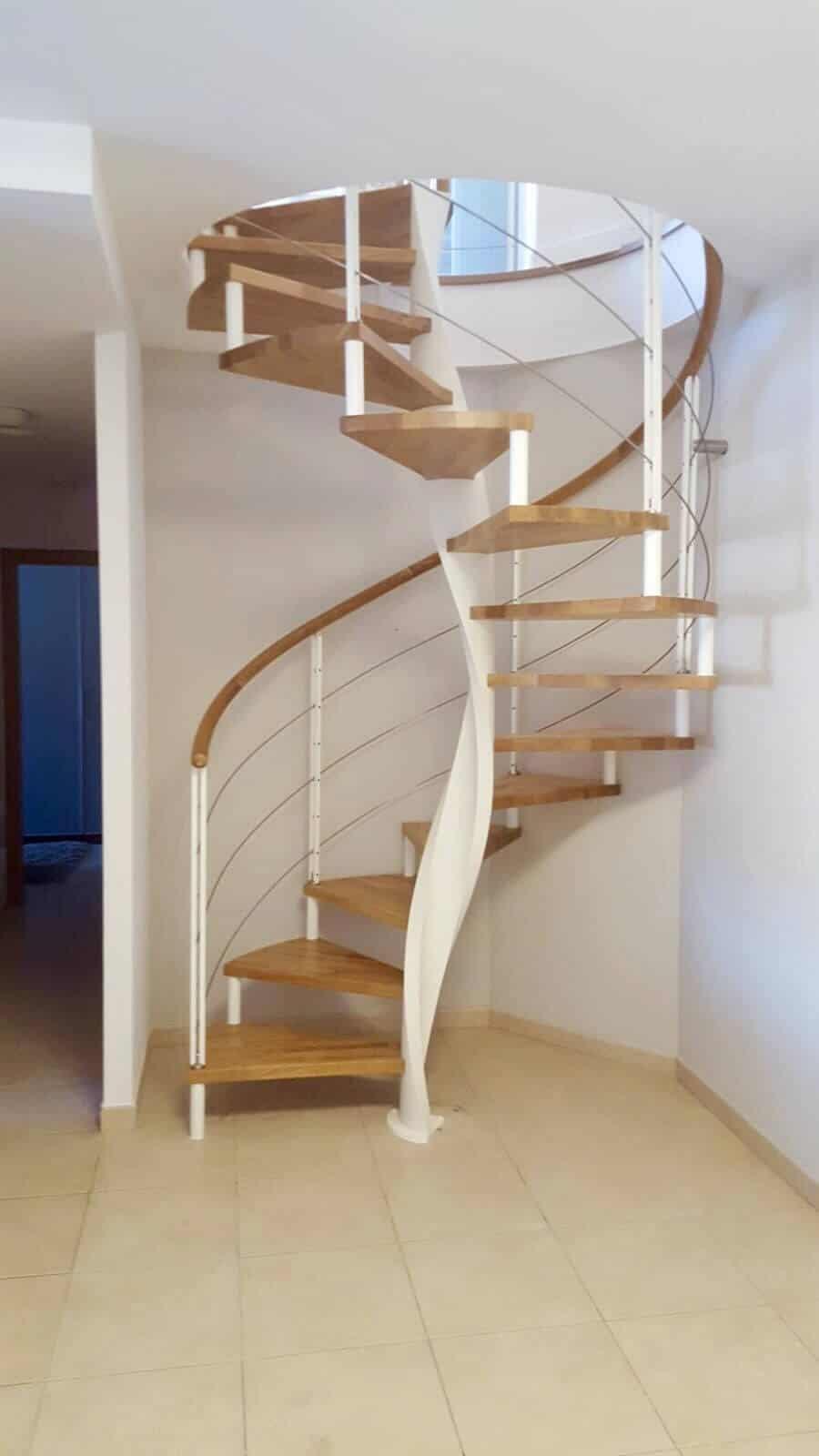 Escalera de caracol con eje helioidal | Enesca.es
