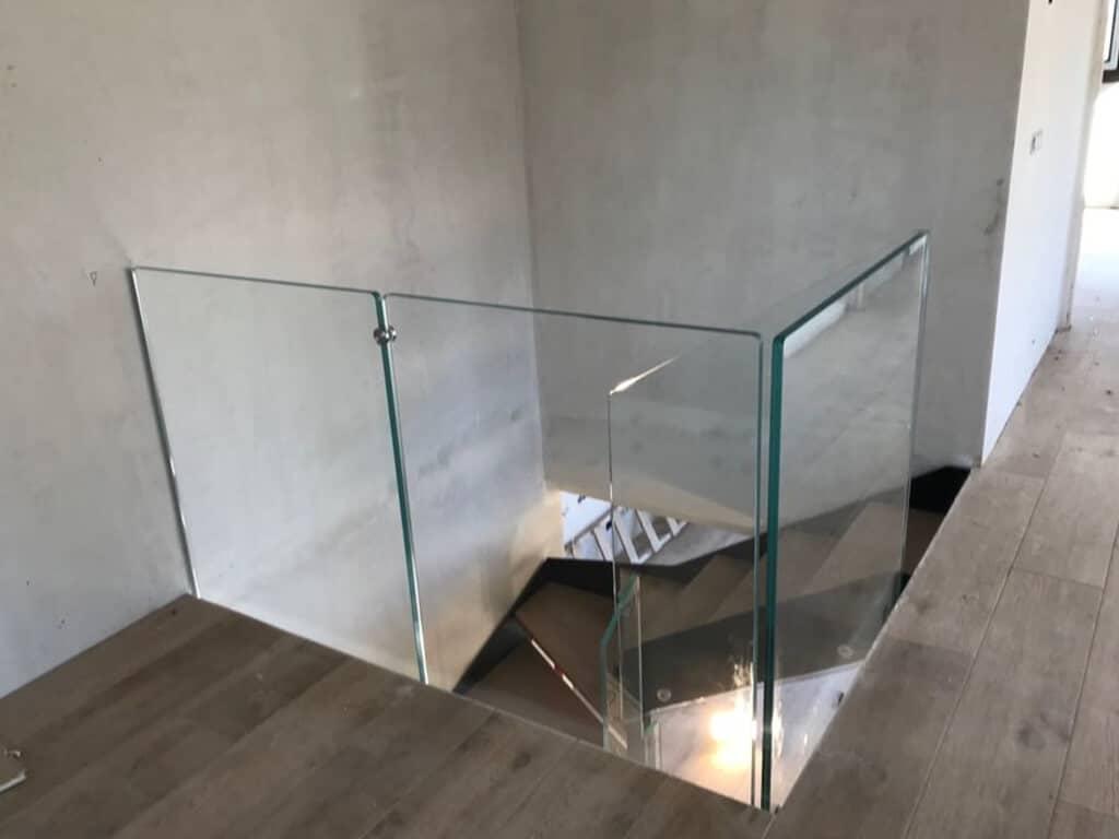 Baranda de Cristal para hueco de escalera de Enesca