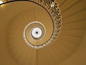 Escaleras de diseño con estilo en espiral de Enesca.es