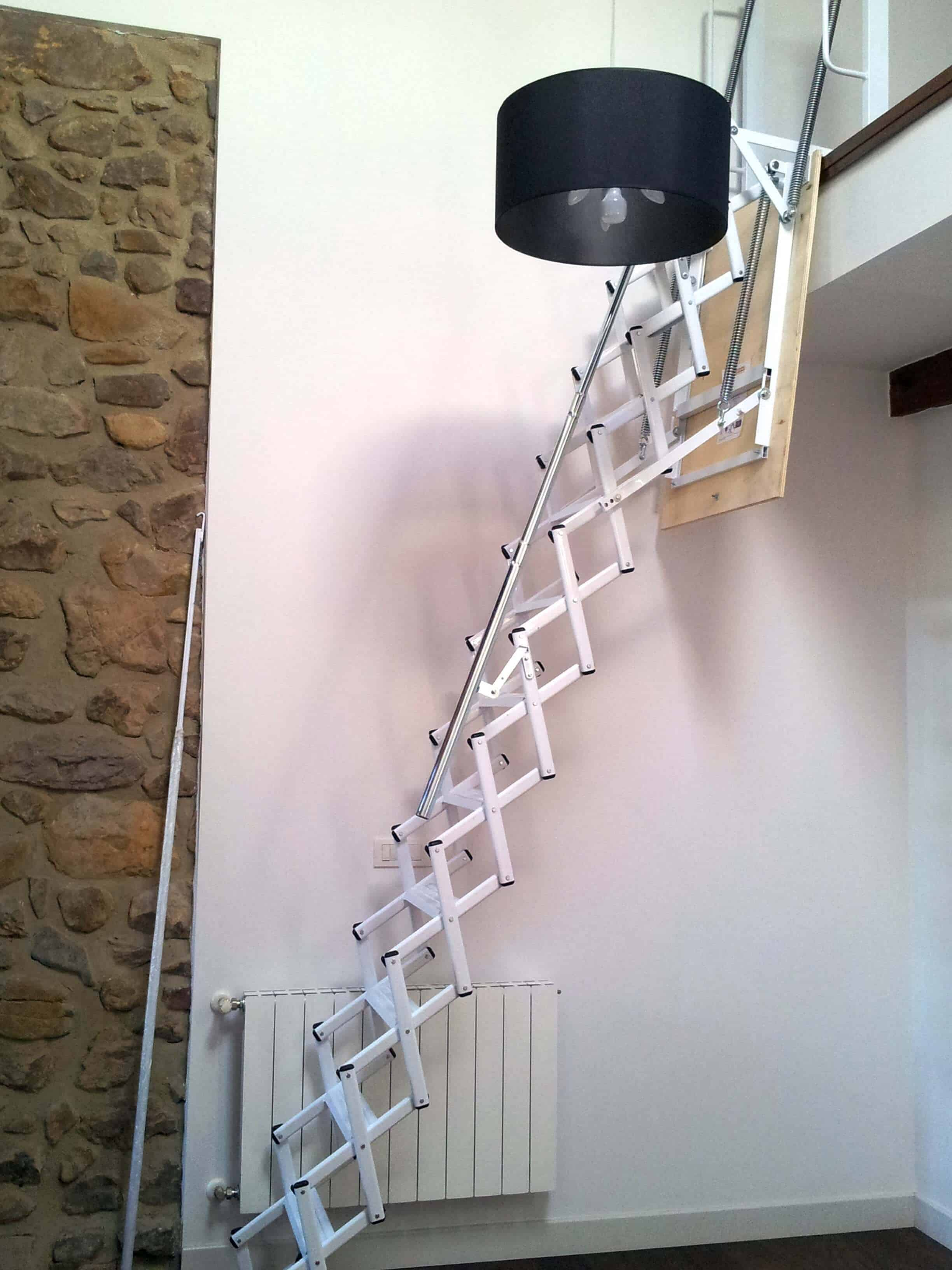Escalera Plegable para Altillo | Enesca.es
