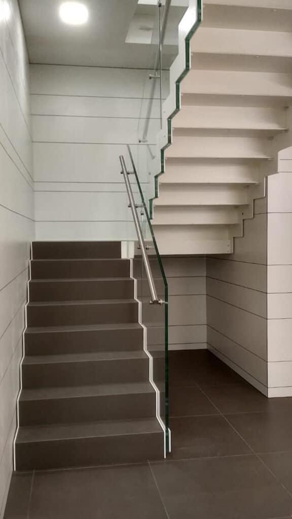 Escalera recta de dos tramos | Enesca.es