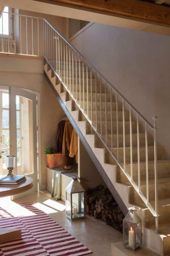 Módulo almacenamiento debajo escalera