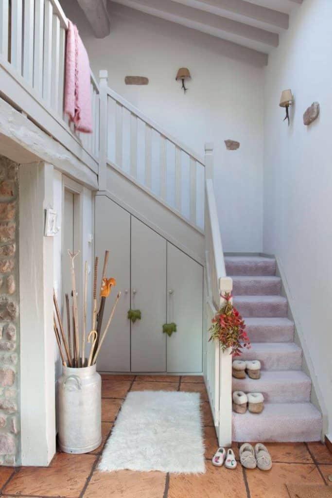 armario bajo escalera a medida